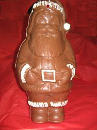Santa would make a great centerpiece!